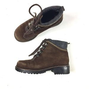 Khombu lace up suede ankle hiking boots size 6